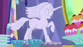 Ice sculpture starting to melt S6E6.png