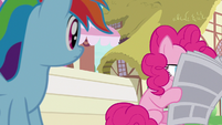 Pinkie Pie reading the Ponyville Chronicle S7E18