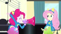 Pinkie Pie shouting -Jazz!- SS4