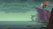 Torch and dragons assembled on the cliff S6E5