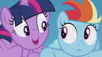 Twilight gets uncomfortably close to Rainbow S5E25