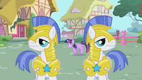 Twilight sneaks past Royal Guards S01E22
