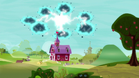 Twittermite swarm over Sweet Apple Acres S5E4