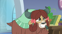 Yona in admiration of Rockhoof S8E21