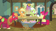180px-Apple family at table S3E08