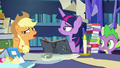 "Applejack ""we've been studyin' and referencin'"" S7E25.png"