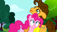 Cheese holding Pinkie Pie close S4E12
