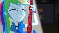 Rainbow Dash playing excitedly EG2