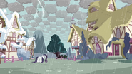 Rarity in stormy Ponyville S03E13