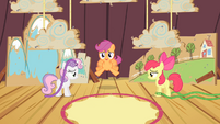 Scootaloo trying to fly S4E05