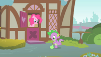 Spike about to kick a quince S1E24