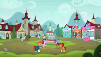Starlight, Sunburst, and parents in Sire's Hollow square S8E8