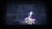 640px-Rarity's horn glowing S04E03