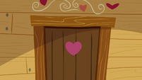 Close-up on Crusaders' clubhouse door S9E22