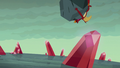 Garble and boulder tumble toward the beach S6E5.png