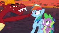 Garble pokes Rainbow Dash in the muzzle S7E25