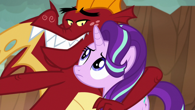 File:Garble puts an arm around Starlight S7E1.png