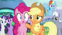 Pinkie shocked at something S5E24