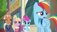Rainbow Dash --am I doing this right--- S6E9