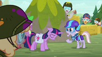 Spike, Dusty, and ponies gasp at Twilight S9E5