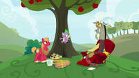 """Spike """"put all the apples in place"""" S9E23"""
