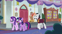 Twilight and Starlight lead Neighsay through school S8E1