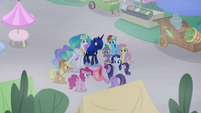 Twilight and friends ready to fix things S9E17