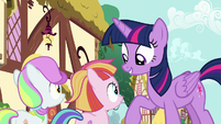 Twilight lecturing Toola Roola and Coconut Cream S7E14