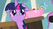 Twilight needs to go to a vet S2E10
