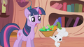 Angel offering a salad to Twilight S1E3.png