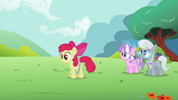 Apple Bloom continues using her hoop S2E06