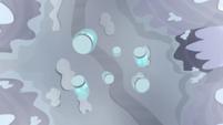 Cutie mark jars falling into a ravine S5E2