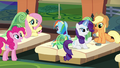 Main 5 on the train to Ponyville S4E22.png
