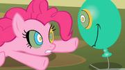 Pinkie Pie hipnotizada T02E01