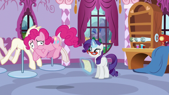 File:Pinkie feeling like she's going to vomit S5E14.png