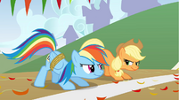 Rainbow Dash and Applejack are ready to race S1E13