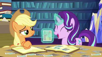 S06E21 Starlight rozbawiona historią opowiedzianą przez Applejack