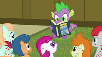 Spike reading to the sick foals S7E3