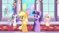 Applejack talking to friends S4E1