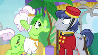 Applesauce continues flirting with Bell Hop Pony S8E5