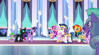 Cadance extends friendship to Thorax S6E16