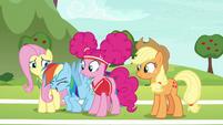 Rainbow Dash --let's hop to it!-- S6E18