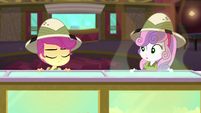 Scootaloo shakes her head at Sweetie Belle SS11