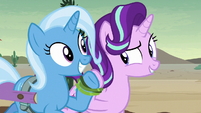 Starlight and Trixie's hooves bound together S8E19