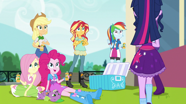 File:Twilight Sparkle joins her friends EGS1.png