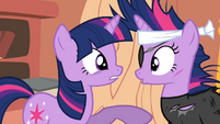 Twilight pointing at future Twilight S2E20