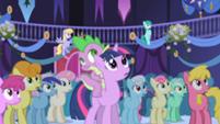 201px-Popular background ponies 4 S01E01