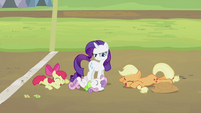 Apple Bloom, Sweetie Belle and Applejack laughing S2E05