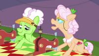 Apple Rose -think he's racing with his cousin- S3E8