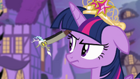 Discord in Twilight's ear S4E02